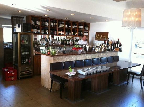 Raphael's Restaurant und Weinbar: Bar
