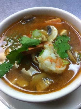 Thai Kitchen: Shrimp Tom-yum :)