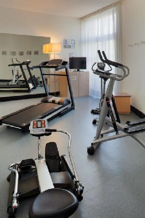 ‪‪Alliance Hotel Tours Centre‬: fitness center‬