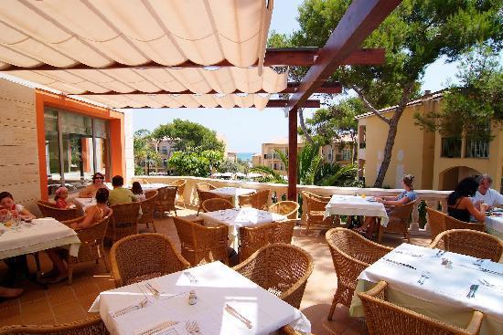 Zafiro Cala Mesquida: Restaurant Terrace