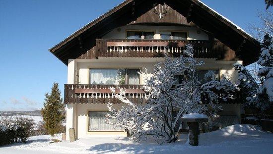 Urlaubshof Bohn: Unser Haus im Winter