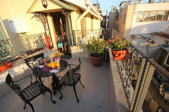 سلطانز رويال هوتل: Terrace
