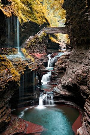 Watkins Glen, Estado de Nueva York: Rainbow Falls Bridge