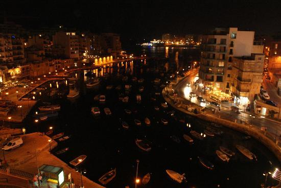 Hotel Juliani: Night View