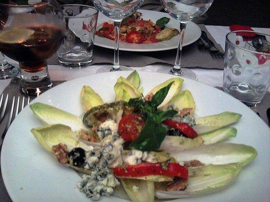 Restaurant Chez Vous : Salade d'endives au Roquefort