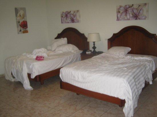 Hotel Coral Suites: Las camas son muy comodas