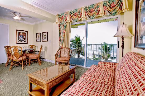 Sandpiper Gulf Resort: Guest Room with Dining Room