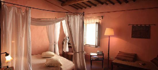 Camera romantica - Picture of Locanda del Loggiato, Bagno Vignoni ...