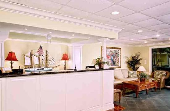 Sandpiper Gulf Resort: Front Desk
