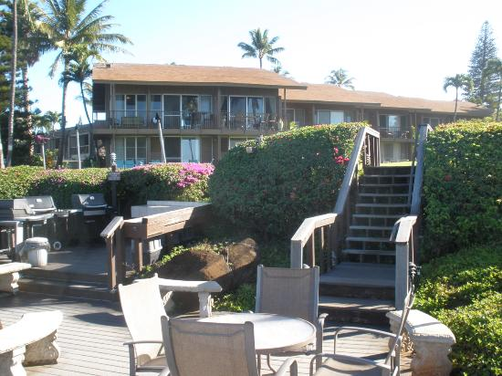 Polynesian Shores Condominium Resort: Deck and BBQ's