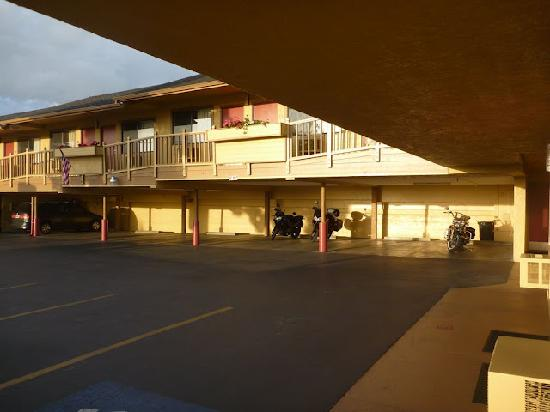 Econo Lodge: Parqueo de las motos