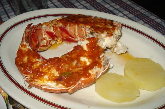 Villa Nelly: Lobster supper, mine was the smallest of the three!