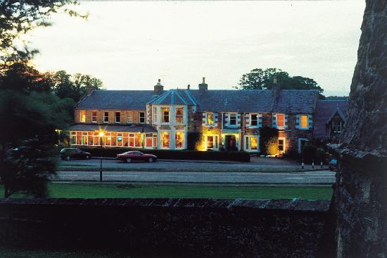 Dirleton, UK: Exterior of Hotel