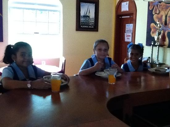 Wendy's Restaurant & Bar: wendys daugther and friends having lunch.