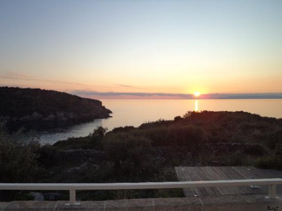 Κατοικίες Μάνης: Ηλιοβασίλεμα!