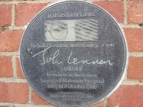 Fab Cabs of Liverpool Tours : On the wall of the maternity hospital where John was born.