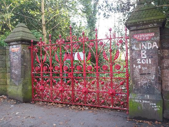 how to get to strawberry fields