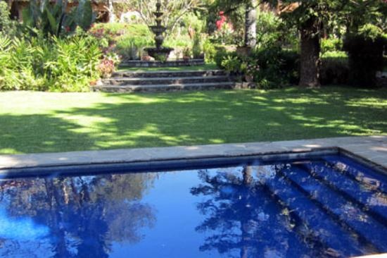 Los Artistas B & B: Pool at Los Artistes B&B