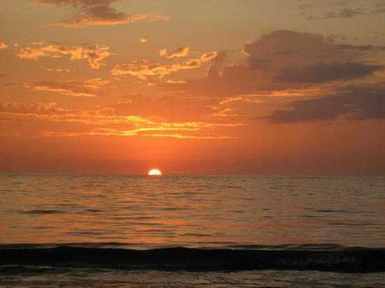 Hotel Villas Playa Samara: Great Sunset!!!