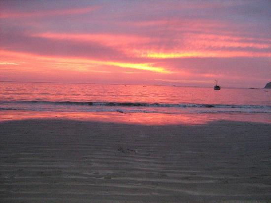 Hotel Villas Playa Samara: the next day sunset