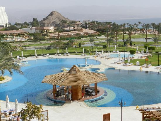 Movenpick Resort Taba : une des piscines