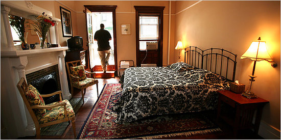 Stay the Night Bed & Breakfast: Fox Suite