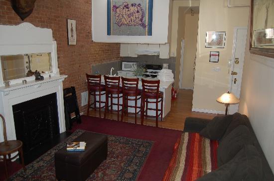 Stay the Night Bed & Breakfast: Mackenzie Apartment