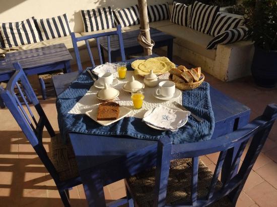 Sol E Luna Hotel : Petit déjeuner en terrasse, au soleil...