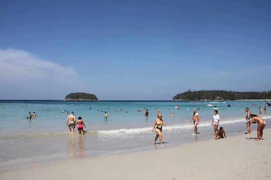 Kata Beach Resort and Spa: plage