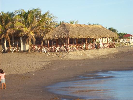 Hotel Suyapa Beach: View of restaurant