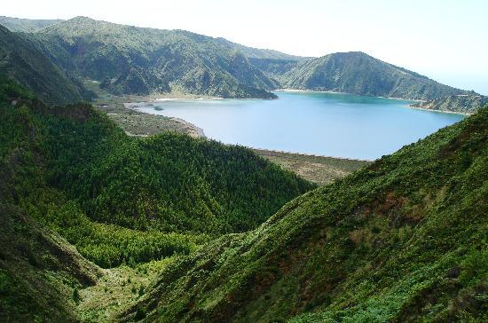 Azores Private Tours: Fire Lake