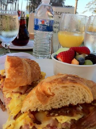 Sanderlings Restaurant : breakfast