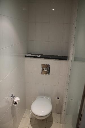 Exe City Park Prague: Toilet