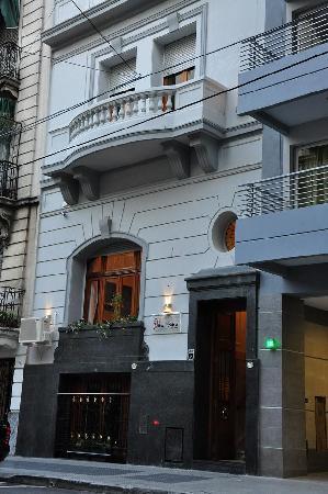 โรงแรมเลอ วิทราล ไบเรส บูติค: Facade