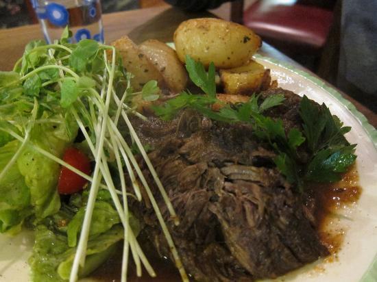 Piedmont Inn: Braised beef special