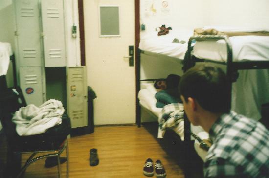 White Tulip Hostel: 8 bed dorm