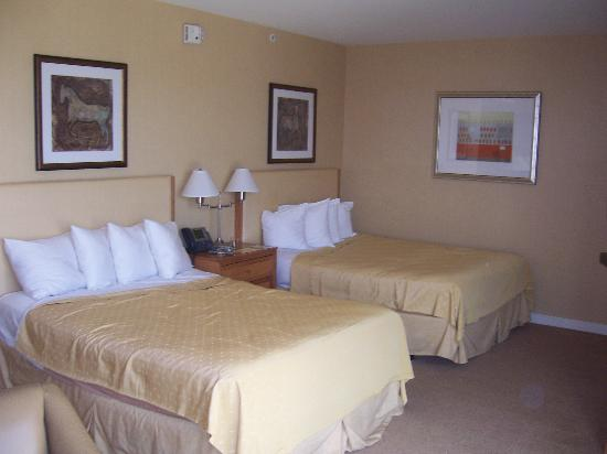 Gold Country Casino & Hotel: Huge room!
