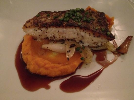 Pesce : Roasted cod over leeks and mushrooms with sweet potato purée