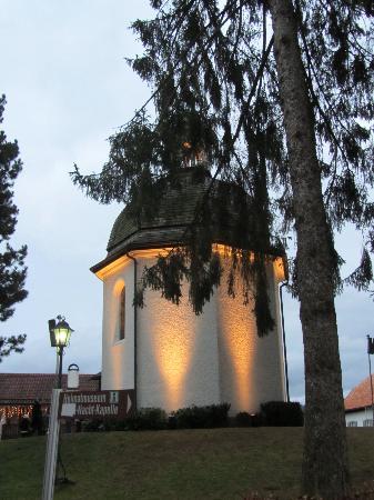 Naturidyll Hotel Hammerschmiede: Silent Night Chapel in Oberndorf