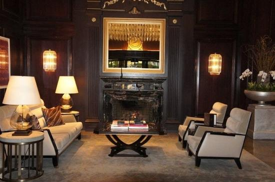 Rosewood Hotel Georgia : sitting area in the lobby