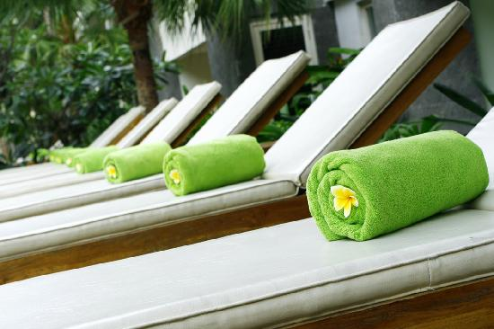 Bali Kuta Resort & Convention Center: Pool Chair