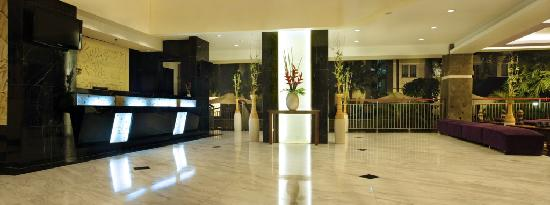 Bali Kuta Resort & Convention Center: Lobby