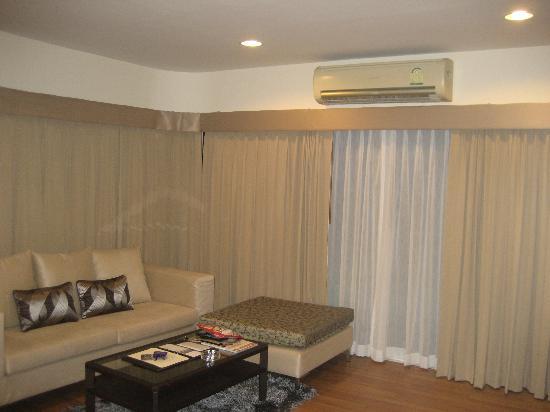 Viva Garden Serviced Residence: Living Room