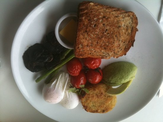 Rosehip: poached eggs and avocado