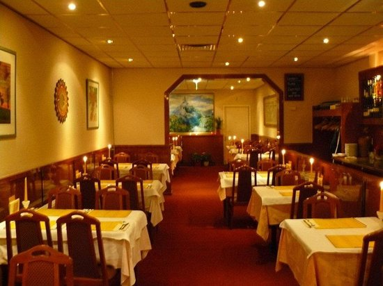 Indian curry house : Interior