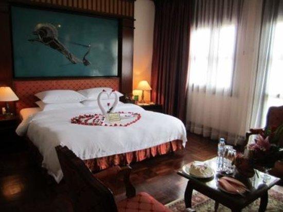 Hotel Majestic Saigon: Honeymoon decoration