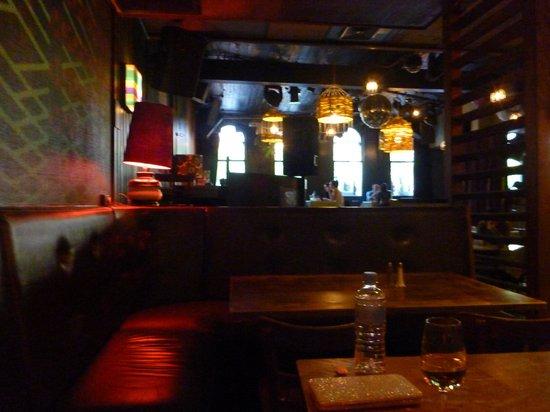 The Lounge: Inside Decor