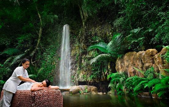 The Banjaran Hotsprings Retreat: Spa Treatment Outdoor
