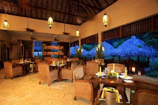 The Banjaran Hotsprings Retreat: The Pomelo Restaurant