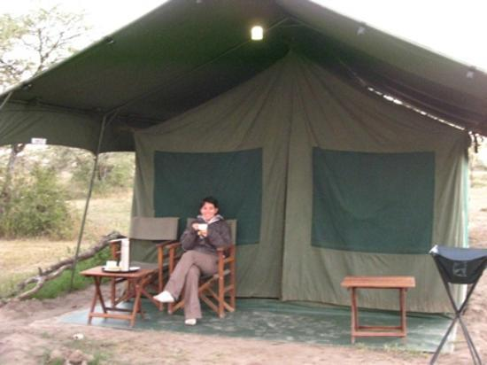 Serengeti Halisi Camp: Morning tea at 6.30 at our tent